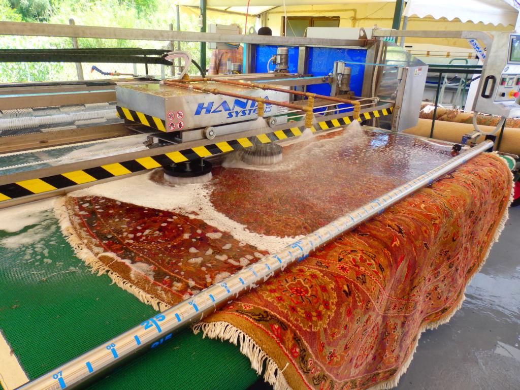 مراحل شستشوی فرش در قالیشویی